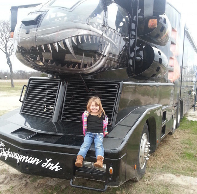 Crazy Truck Pics 24 Most Startling Trucks Caught On
